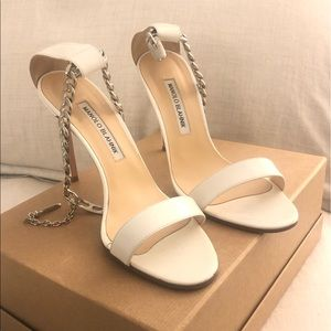 Like New Manolo Blahnik Chaos Heel White w/Chain